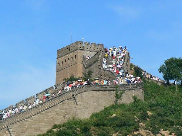 Imagini China: Marele Zid luat cu asalt.JPG