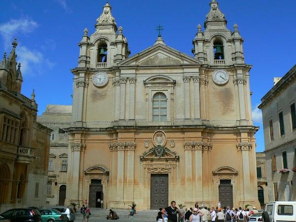 Obiective turistice Malta: catedrala din Mdina.JPG
