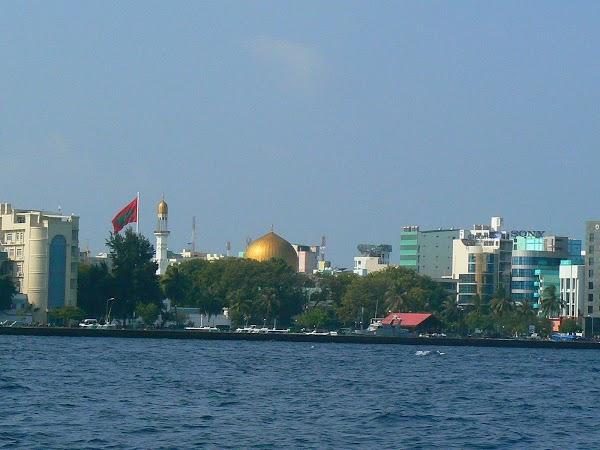 Imagini Maldive: front view 1.JPG