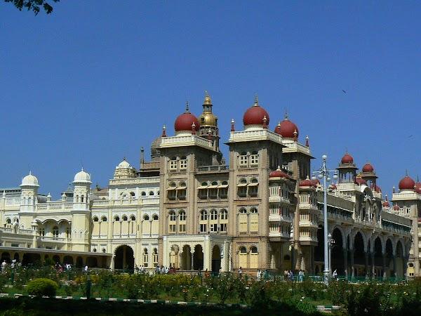 Obiective turistice India: palat maharajah Mysore