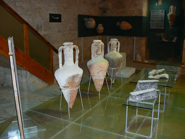 Obiective turistice Cipru de Nord: Kyrenia Shipwreck Museum.JPG