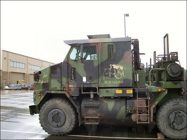 M1070 Heavy Equipment Transporter 04