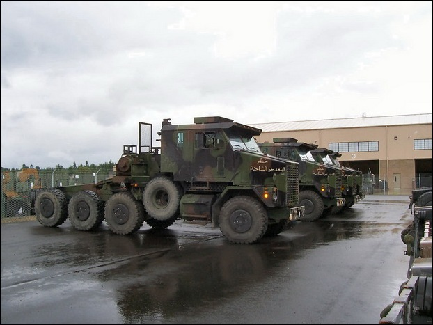 M1070 Heavy Equipment Transporter 05