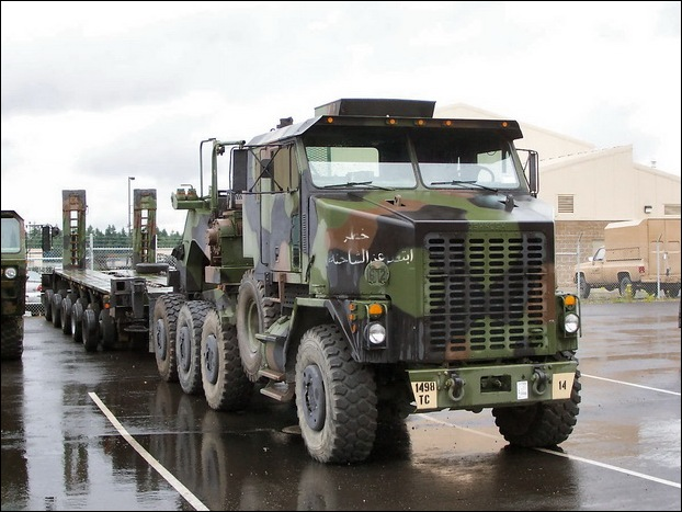 M1070 Heavy Equipment Transporter 07