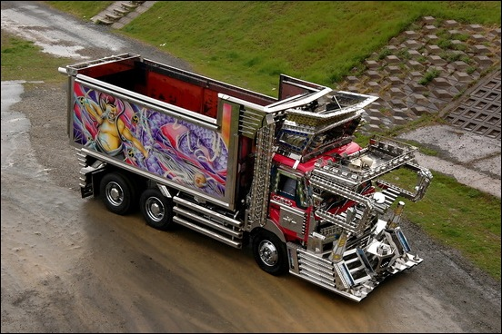 Dekotora...Japanese mad custom truck modding09