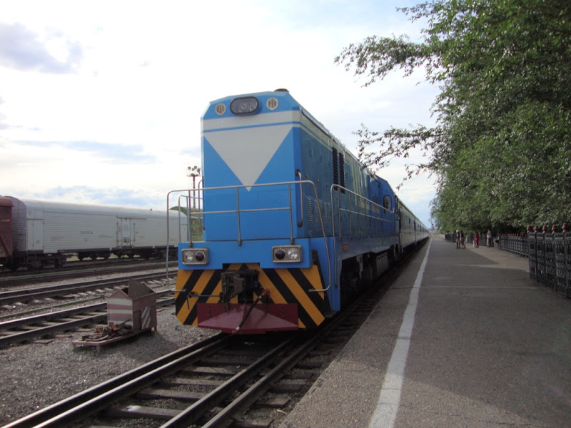 Train with new wheels on double-rails