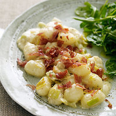 Leek-and-Gnocchi Bake with Three Cheeses and Crispy Prosciutto