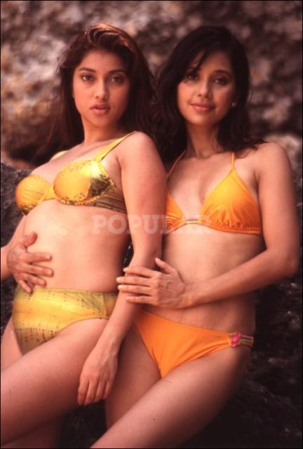ayu-sarah-azhari-bikini-orange-kuning (2).jpg