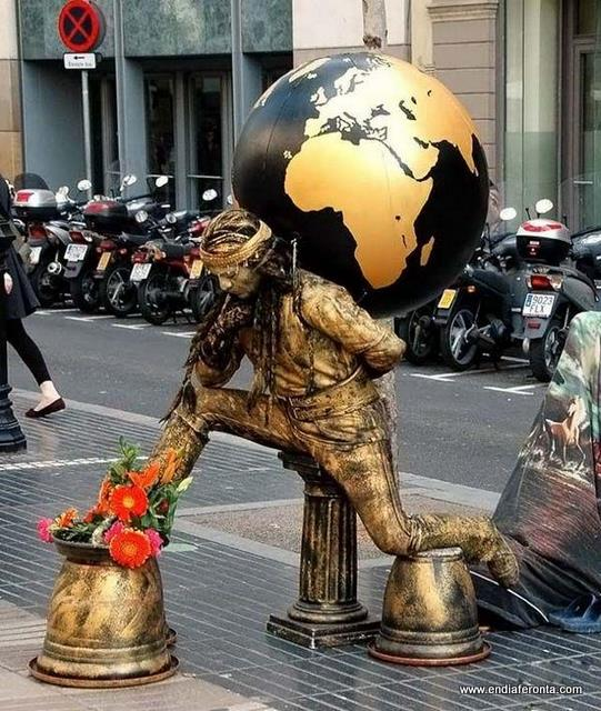 living-statues-around-the-world01.jpg