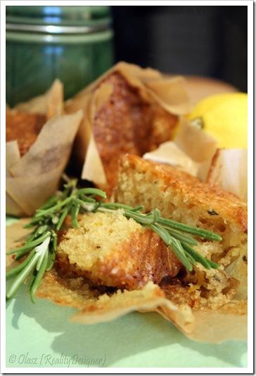 Muffinki cytrynowe ze świeżym rozmarynem