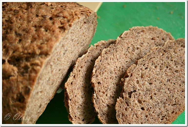 chleb zytni z siemieniem lnianym