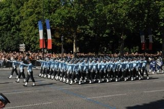 20110313-Indian-Soldier-France-March-past-Wallpapers-01-TN