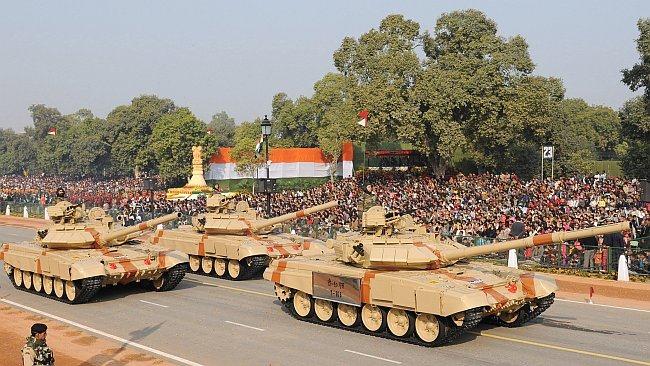 20110305-Indian-Army-Main-Battle-Tank-T-90-Wallpaper-07-TN