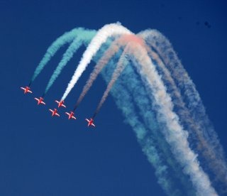 20110305-Indian-Air-Force-Surya-Kiran-Aerobatics-Wallpaper-04-TN