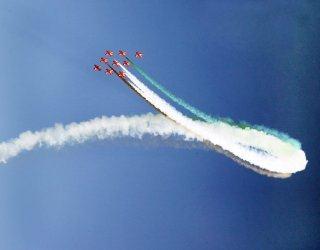 20110305-Indian-Air-Force-Surya-Kiran-Aerobatics-Wallpaper-08-TN
