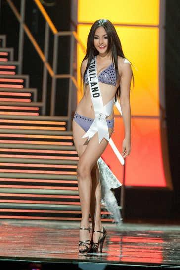 Fonthip_Watcharatrakul_Miss_Universo_2010