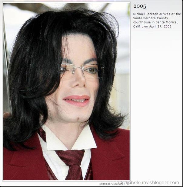 Michael_Jackson_2005
