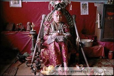 尼泊爾活女神funny-everyday.blogspot.com0001