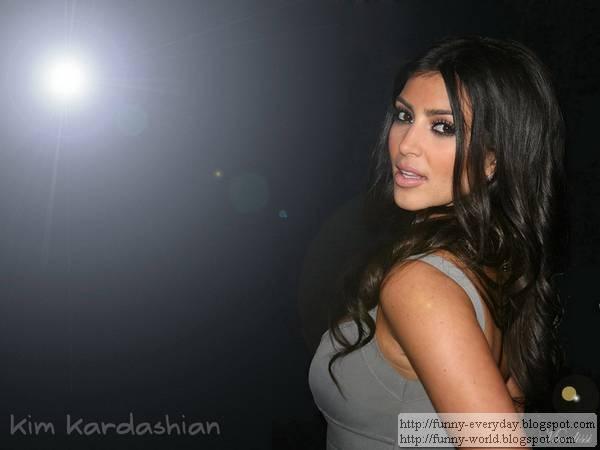 金卡黛珊 Kim Kardashian寫真桌布照片露點懶人包 (1)
