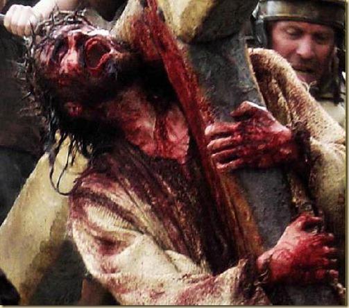 cristo-cargando-cruz-sangrando