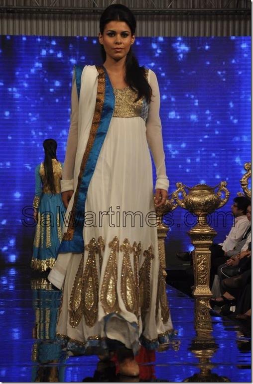 Manali_Jagtap_Designer_Salwar_Kameez (1)