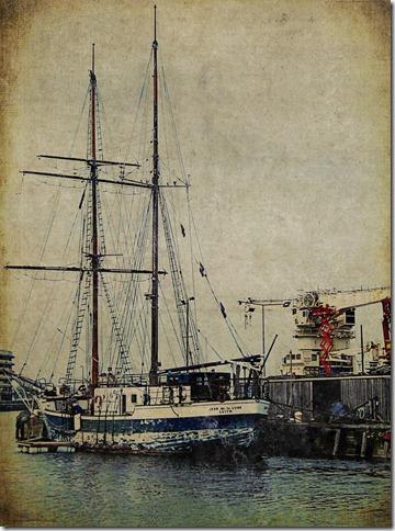 vintage-textured-ship