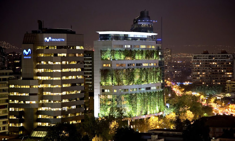 Edificio de oficinas de trepadoras