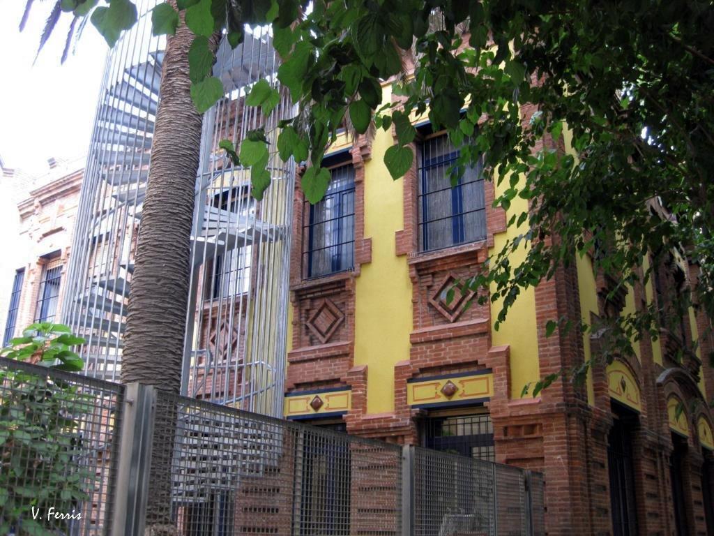 Oficinas de catalana de gas barcelona modernista for Oficinas aguas de barcelona