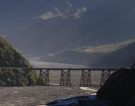 Puente sobre el Río Toro