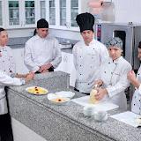 David Supervisiona a arte culinária.jpg