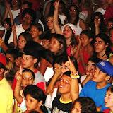 multidão recebe Jesus como Senhor e Salvador.JPG