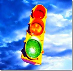 ...trascorreva ormai la maggior parte del suo tempo ad immaginare le strade della città, il traffico, i semafori ...