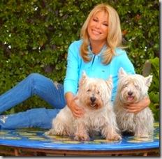 Rita Dalla Chiesa si assume l'onere e l'onore di accogliere i cani-rettili mutanti