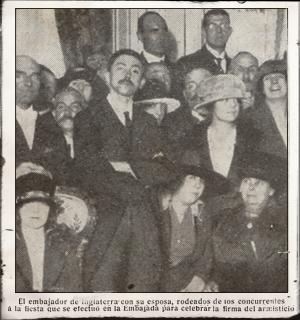 Carla Bodoni en la Embajada Británica (noviembre 1918). Pulse para ver la imagen completa