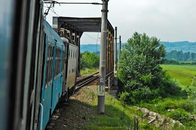 trenul - intrarea pe pod