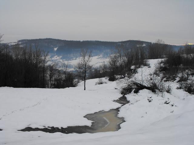 Tehomir. De pe dealuri. Iarna peste sat