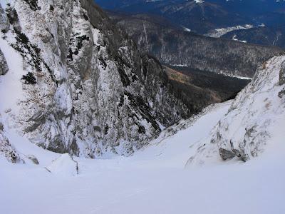 urcand pe Valea Alba