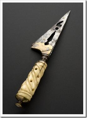circumcisionknife