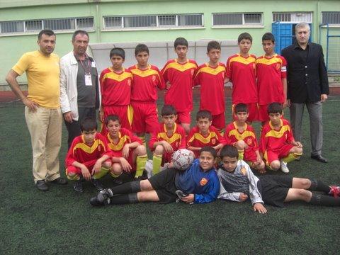 Kumkapı Sarıçubuk 81 Spor Kulübü Minikler Futbol Takımı Ligi 3. olarak Tamamladı..!