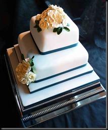2-tier-Rose-Cake