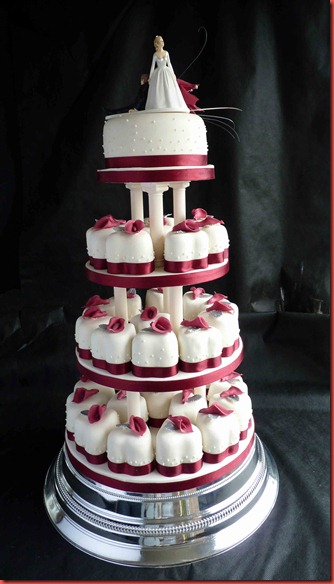 4-tier-individual-hearts-wedding-cake