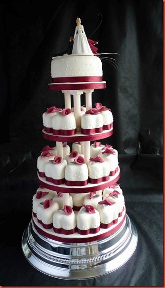 4-tier-individual-hearts-wedding-cake