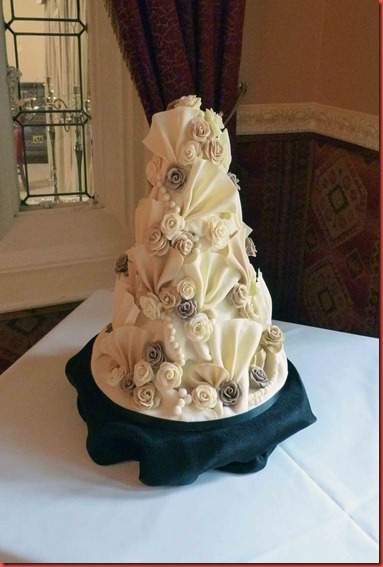 Chcolate-Ruffle-and-Fans-wedding-cake