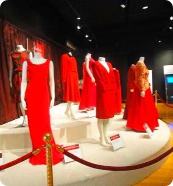 red-dresses