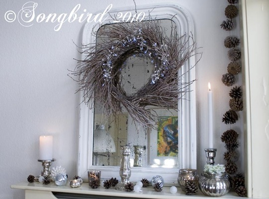 Christmas Mantel Vignette 11