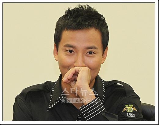 KimNamGil-FC.com Award form Mongolian Goverment (11)