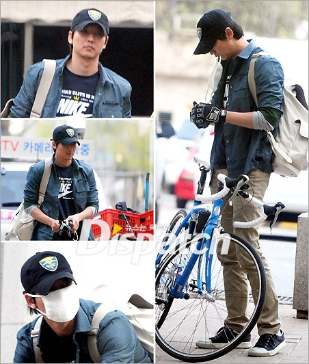 KimNamGil-FCdotcom_ridingBicycle (5)