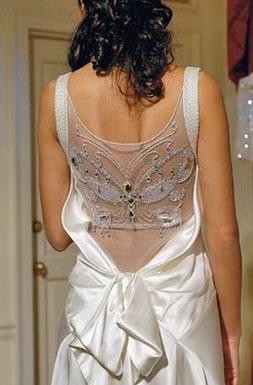 vestido de novia con espalda abierta
