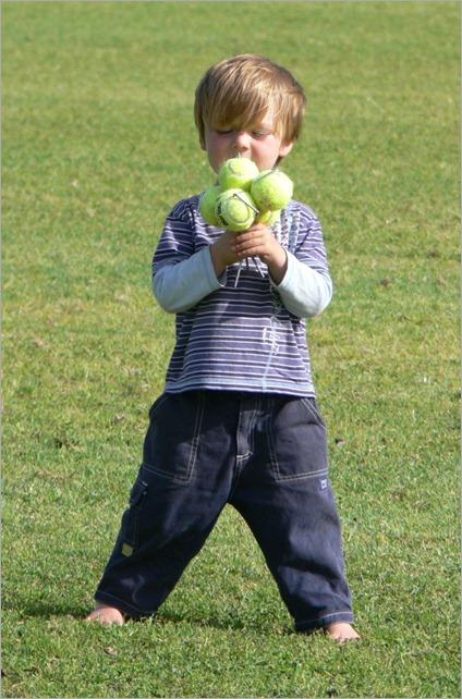 fb tennis balls