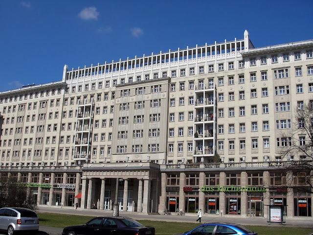 ☭ LA HUELLA SOCIALISTA SOVIETICA EN BERLIN ALEMANIA ☭ 135a%20-%20Otro%20Edificio